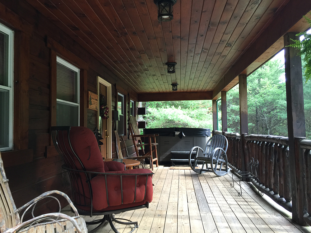 elk-ridge-cabin-porch