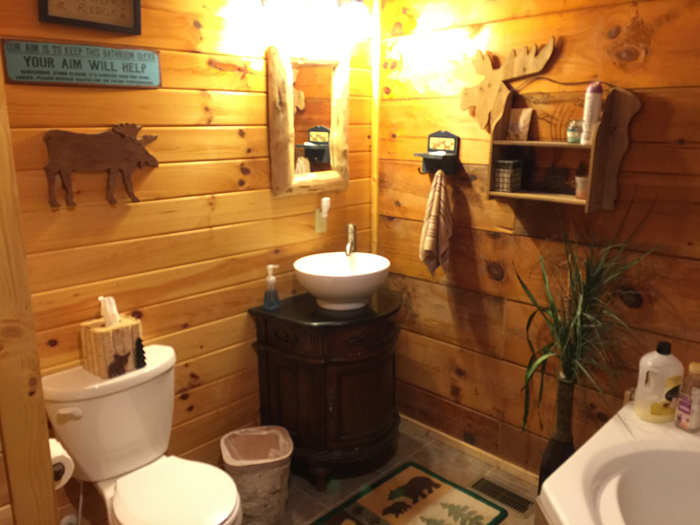 elk-ridge-bathroom