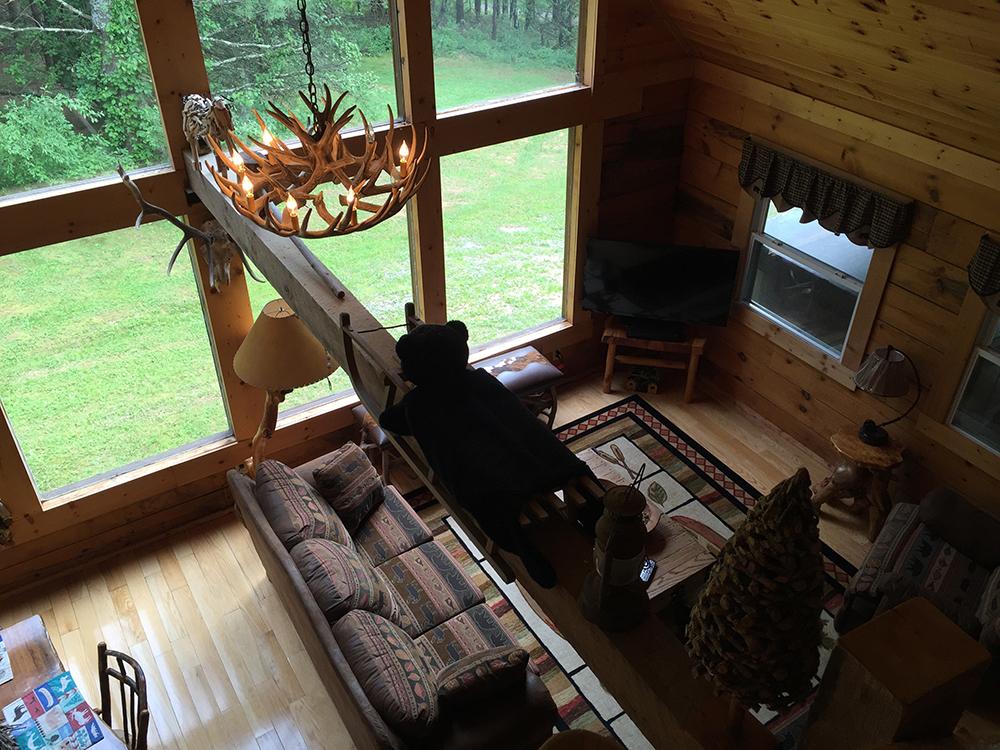 elk-ridge-living-overhead